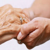 centro di ascolto anziani assistere